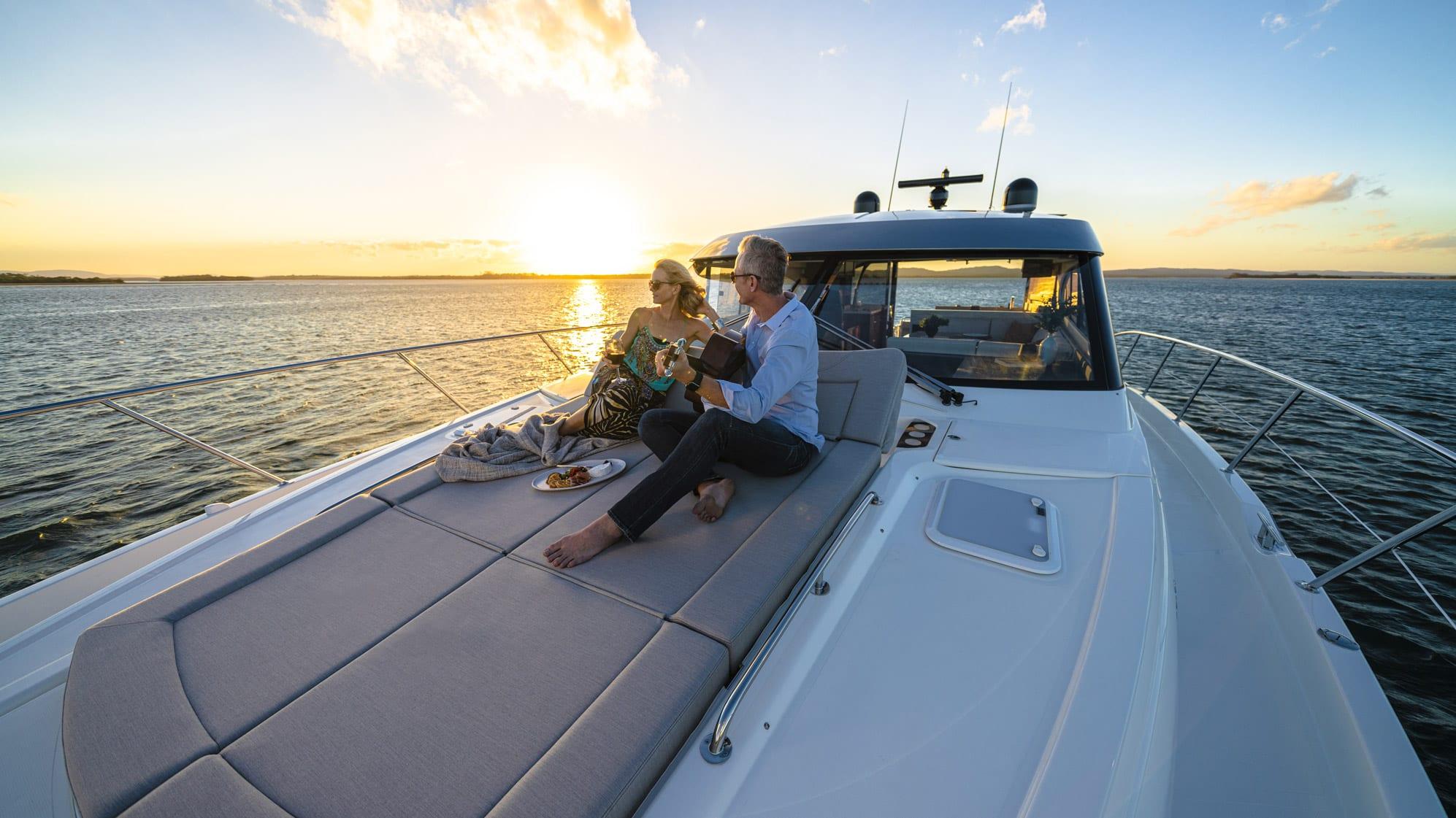 Riviera 6000 Sport Yacht Platinum Edition Foredeck 03