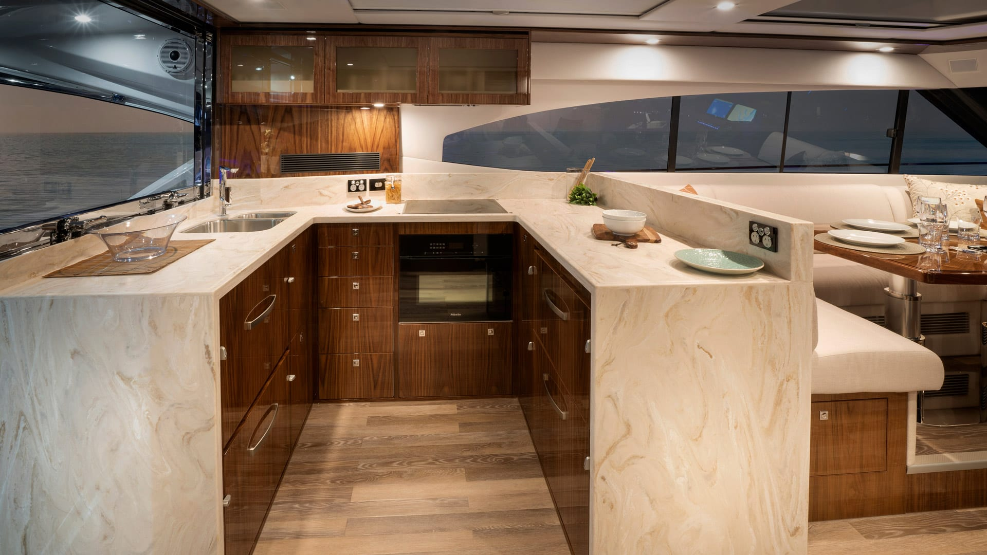 Riviera 6000 Sport Yacht Platinum Edition Galley 01