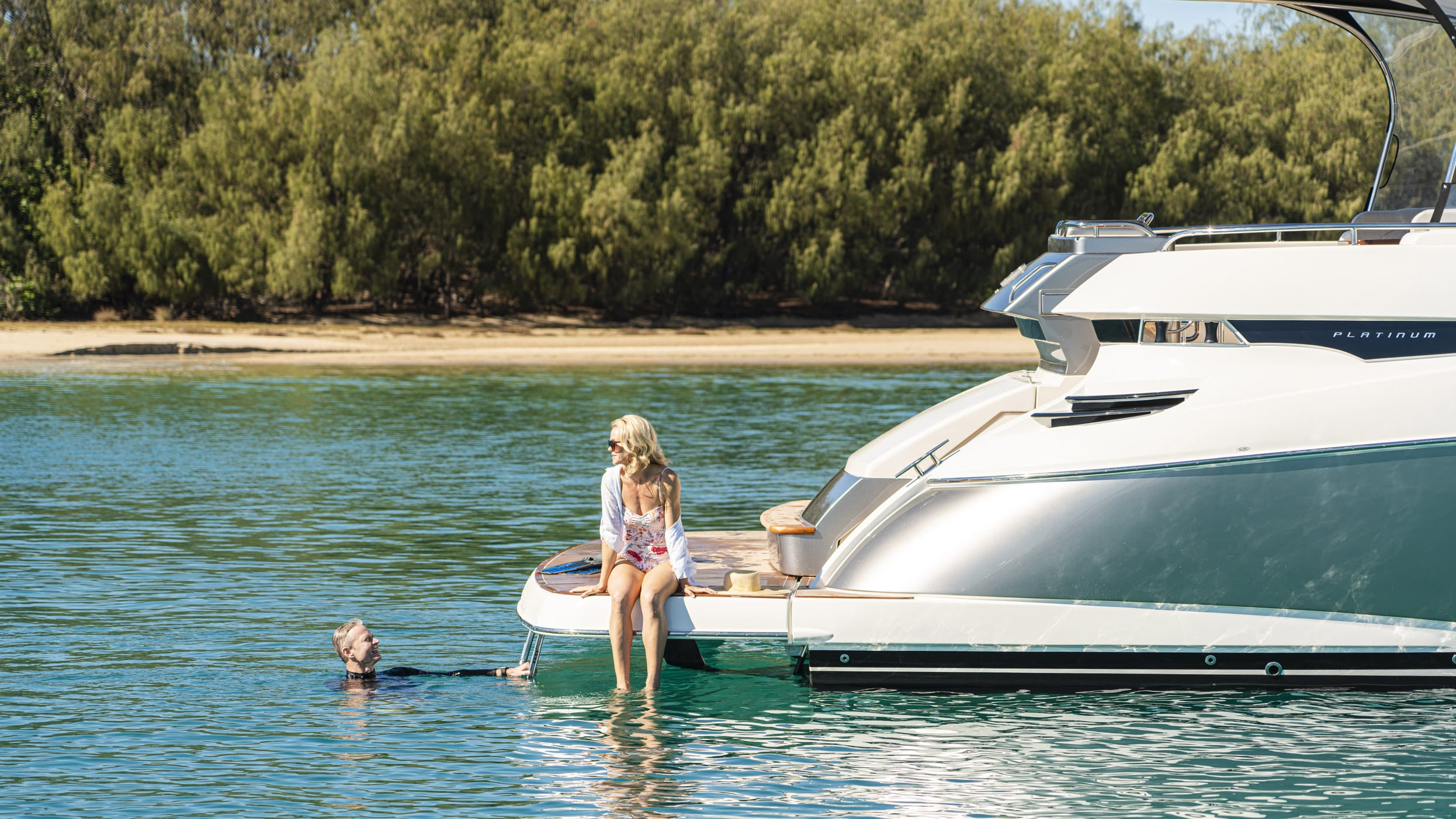 Riviera 6000 Sport Yacht Platinum Edition Lifestyle 03