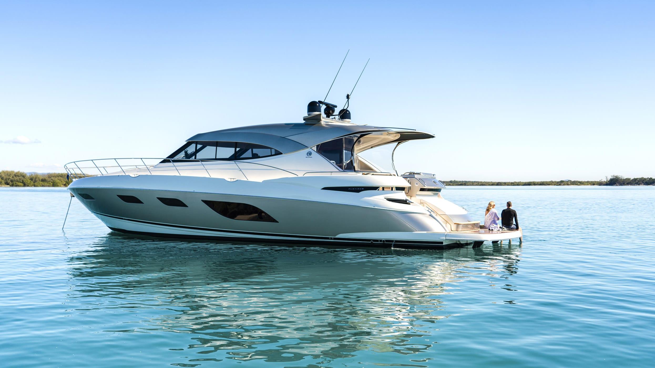Riviera 6000 Sport Yacht Platinum Edition Lifestyle 04