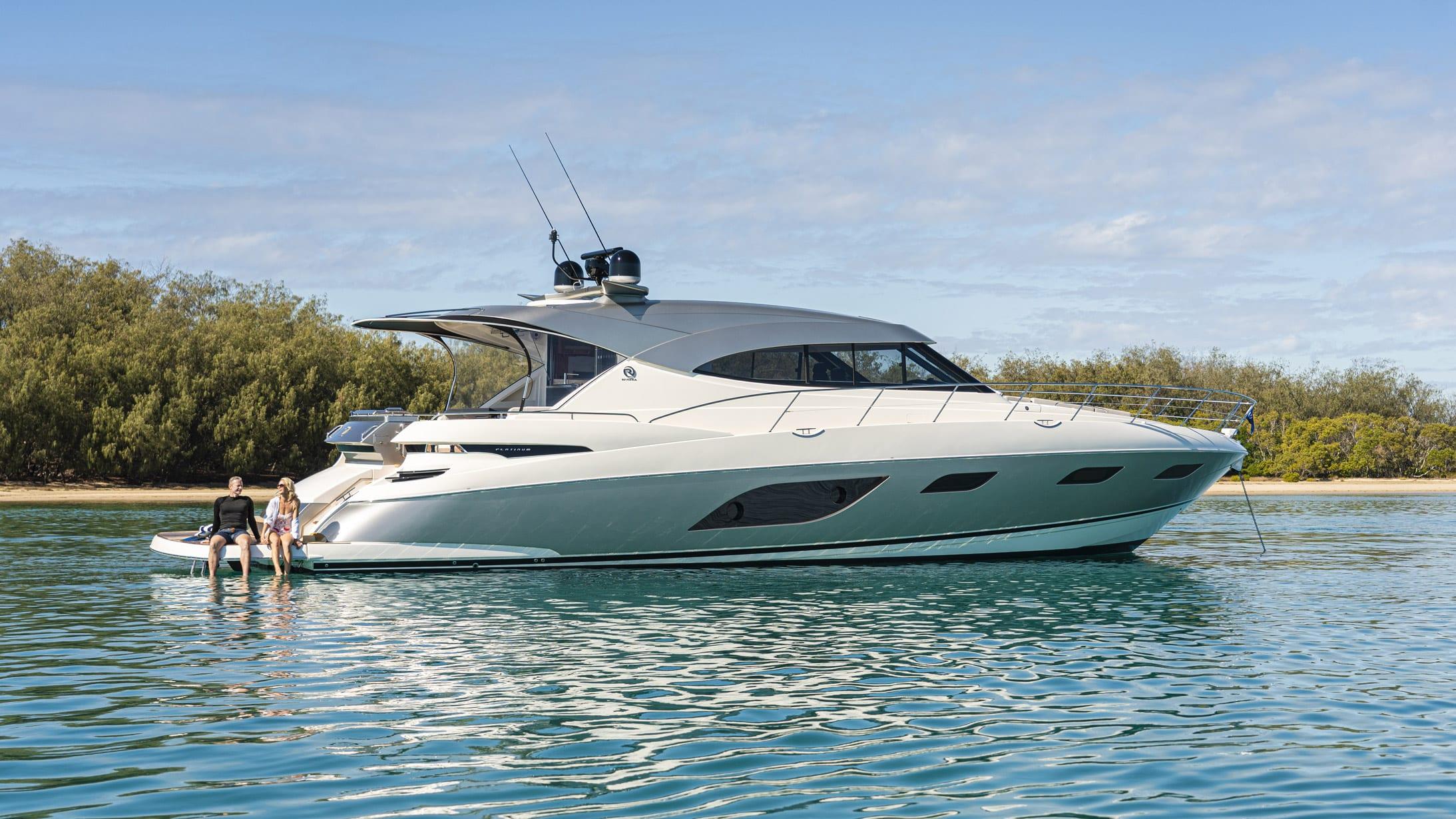 Riviera 6000 Sport Yacht Platinum Edition Lifestyle 05