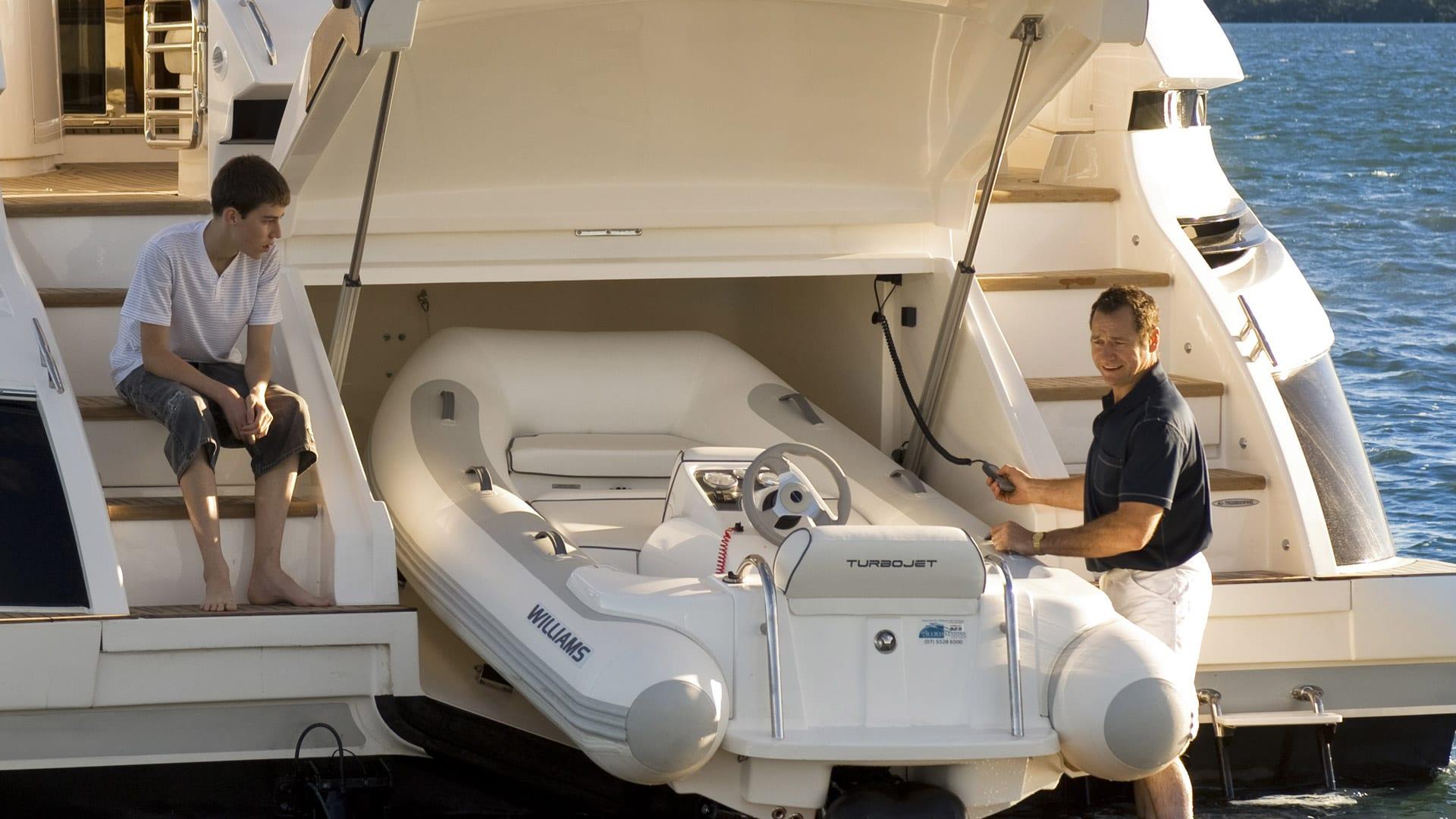 Riviera-6000-Sport-Yacht-Platinum-Edition-Tender-Garage-01