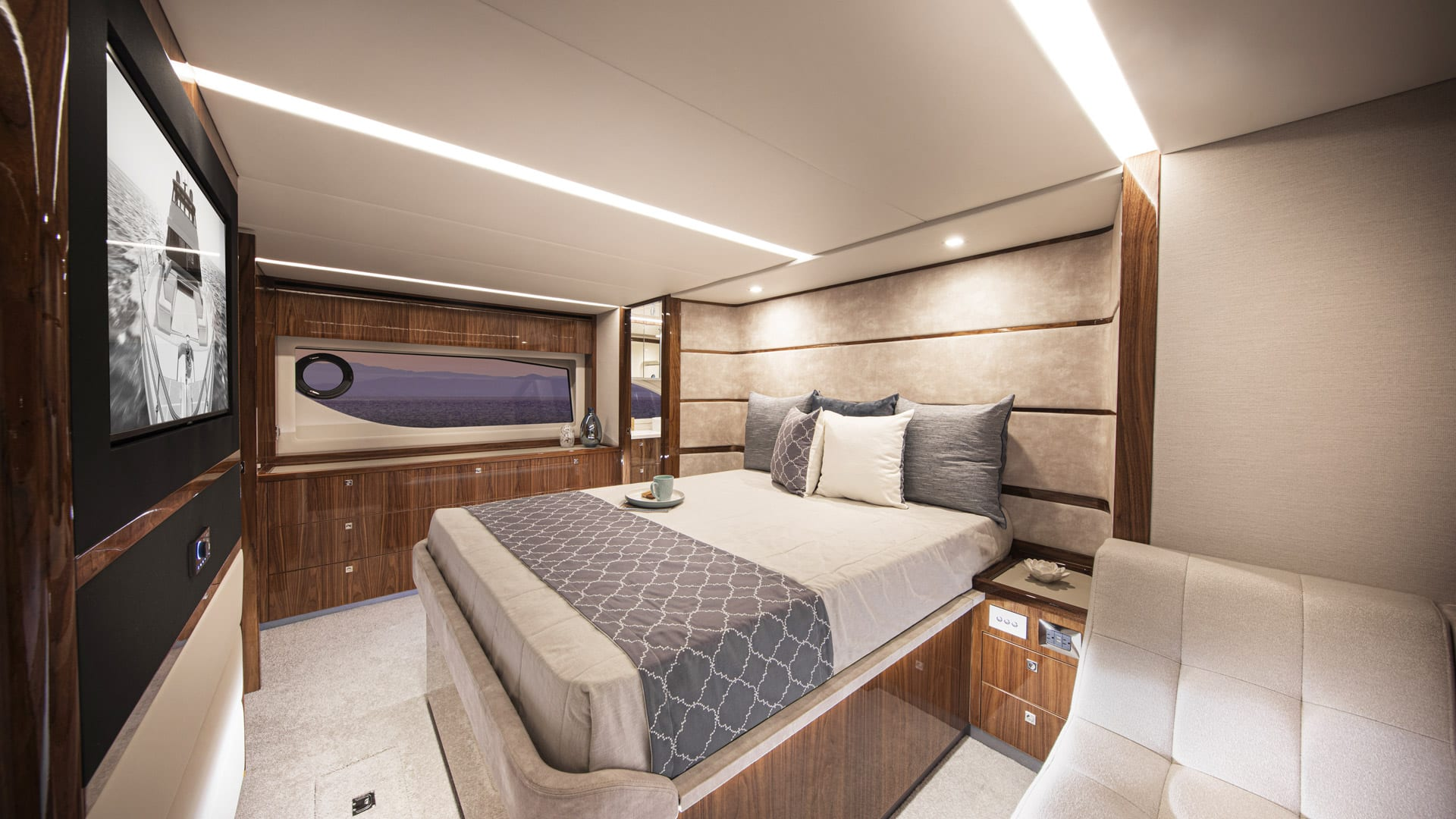 Riviera 64 Sports Motor Yacht Master Stateroom 01