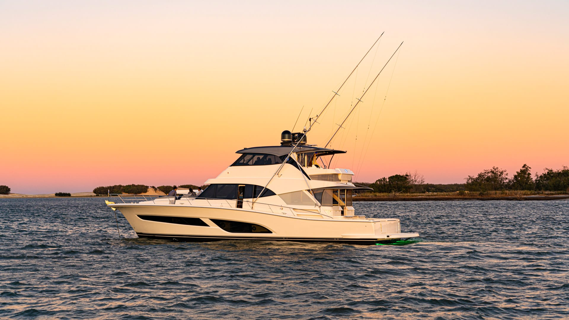 Riviera 64 Sports Motor Yacht Sunset 03