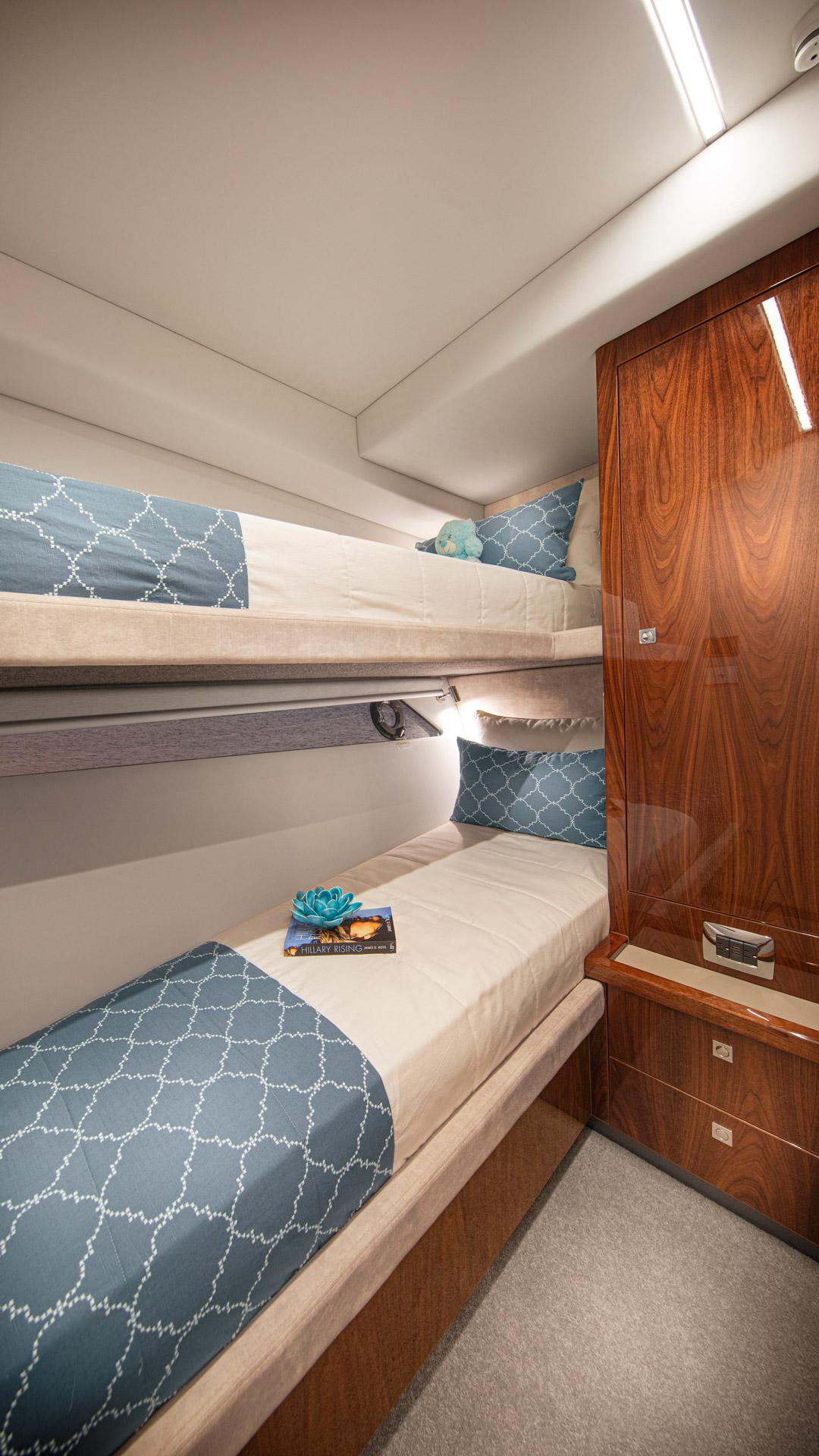 Riviera 645 SUV Starboard Stateroom 01