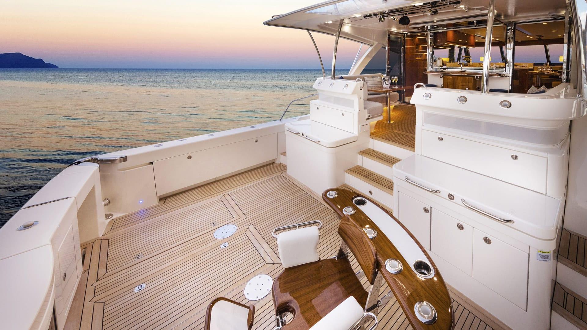 Riviera 72 Sports Motor Yacht Cockpit 01