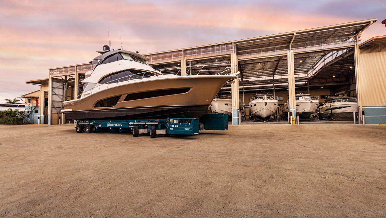 Riviera 64 Sports Motor Yacht 100MT Travellift 02